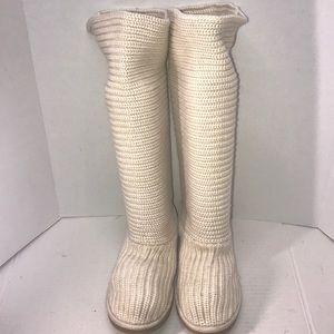 Nice Ugg Knit Boots sz.9